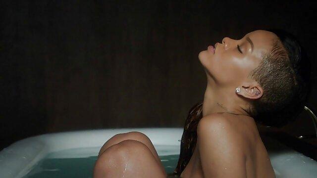 18 video porno lesbo seduzione anni, metti questo cancro nella toilette e piantalo ad una certa ora