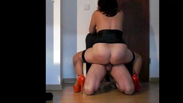 I ballerini stimolano il porno lesbo xxx movimento e i fori segati