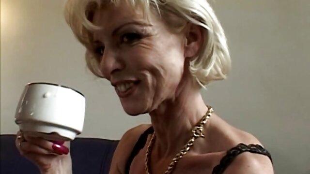 La donna di unirsi a suo marito, video seduzione lesbo che da giovane slut