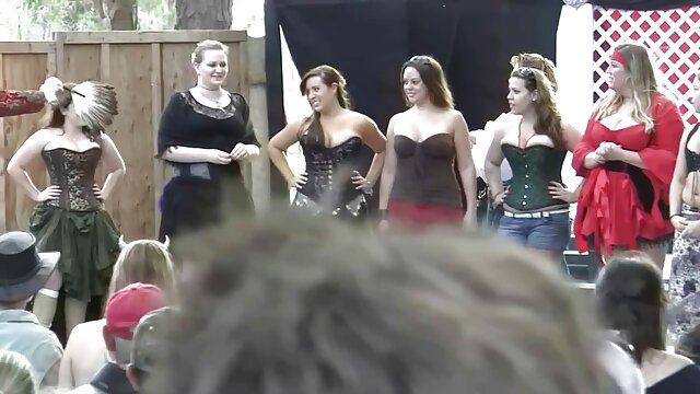 Russo lesbo video amatoriale bellissimo sesso con due bellezze
