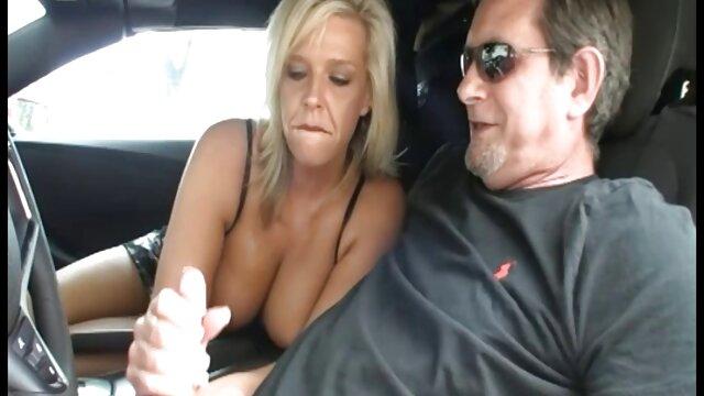 Un uomo sano sfuggito a una video porno lesbiche mature gratis ragazza con un grosso cazzo