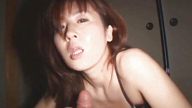 Flessibile Fitonashka con film hard lesbo gratis un grande culo toccare la corda e saltare sul pene